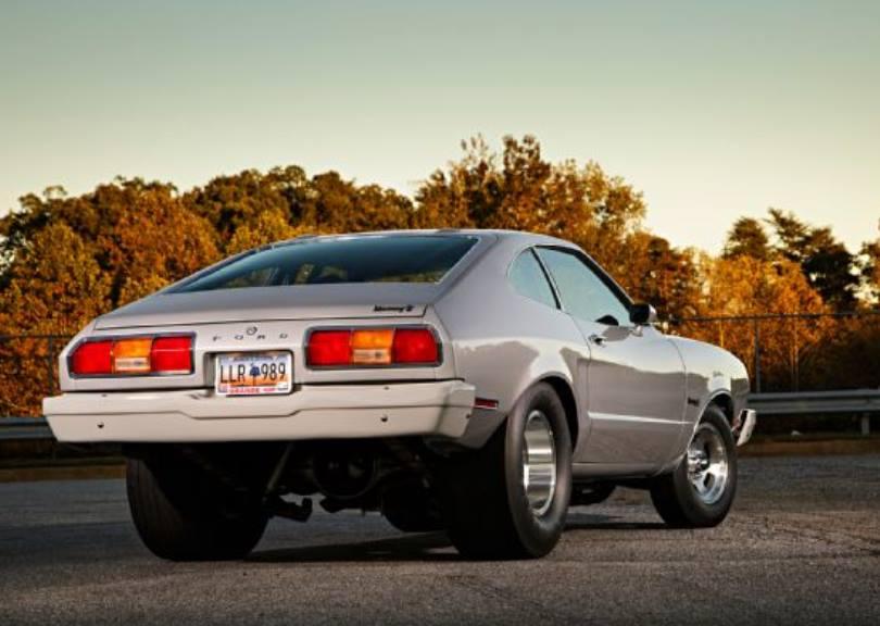 1975 Ford Mustang II. Ombygget til street racing i Detroit i 1975. Bilen er bevaret og i dag restaureret tilbage til gaderæs versionen.