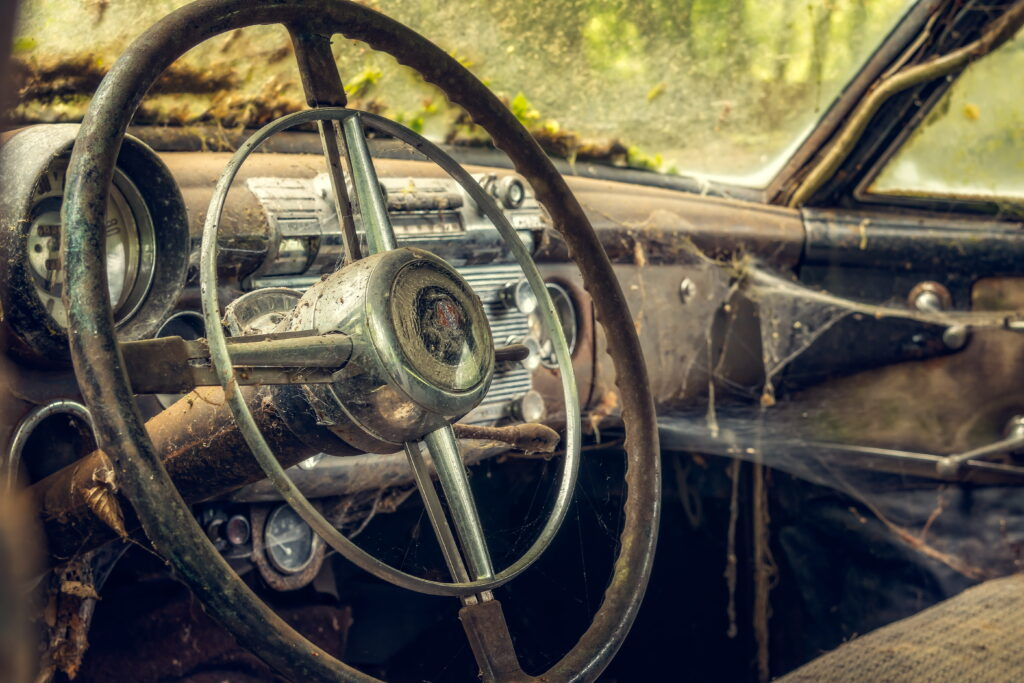 Man kan jo alt andet lige kun køre i ét veterankøretøj ad gangen, hvis man har flere i samlingen, så må de øvrige samle støv.